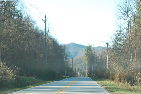 A flat stretch on the Blue Ridge Parkway. Photograph and copyright by Barbara Mattio 2015