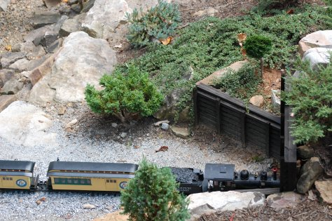 O gauge train. Photograph and copyright by Barbara Mattio, 2016